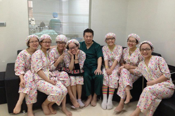 Niềm tin & sự chăm sóc như người thân trong phẫu thuật khúc xạ dành cho các bạn trẻ