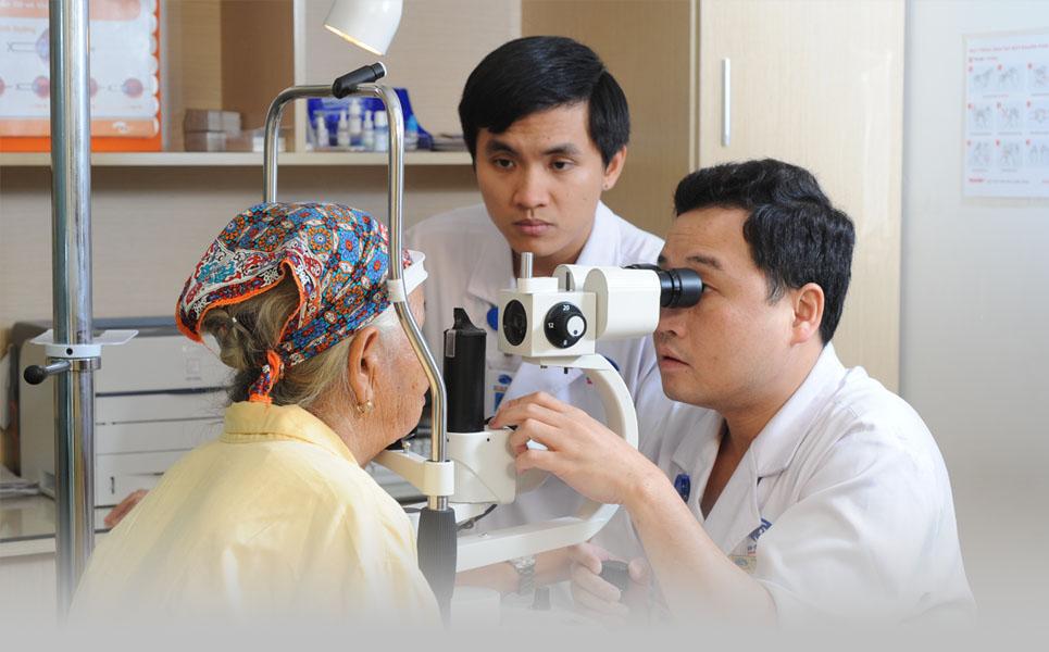 bác sĩ Đinh Yên Lục - Bệnh viện Mắt Quốc tế DND
