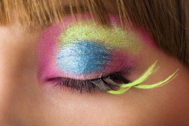 thuốc nhuộm chứa hóa chất có hại cho mắt