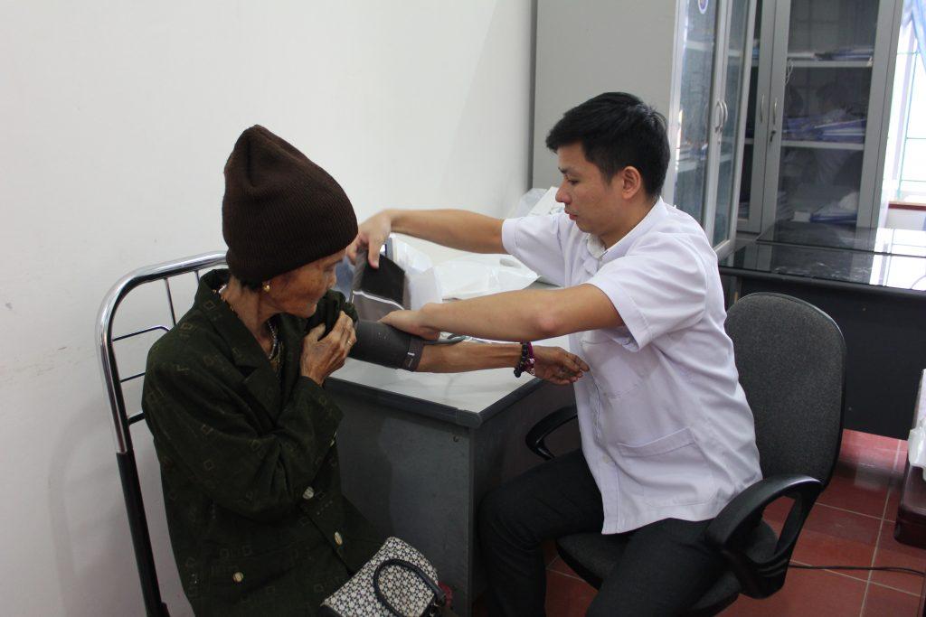 khám cộng đồng - Bệnh viện Mắt Quốc tế DND