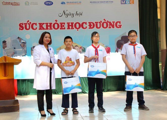 Bác sĩ Phạm Thị Hằng - Trưởng khoa khúc xạ – Lasik, Bệnh viện mắt Quốc Tế DND - Ngay-hoi-suc-khoe-hoc-đương-7