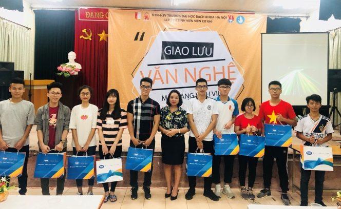 Bác sĩ Phạm Thị Hằng - Trưởng khoa khúc xạ – Lasik, Bệnh viện mắt Quốc Tế DND - mat-sang-sinh-vien-2018