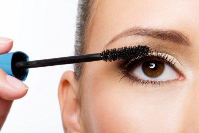 Tại sao nên tẩy trang mascara mỗi ngày