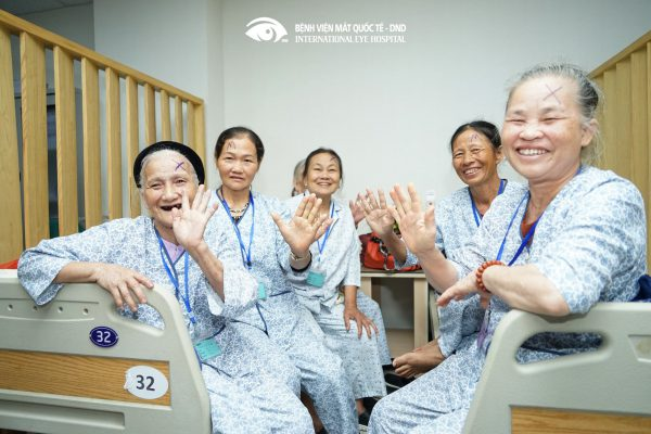 bệnh viện mắt dnd, mổ đục thủy tinh thể, cắt mộng, mắt người cao tuổi, mổ nhân đạo, mổ mắt, từ thiện